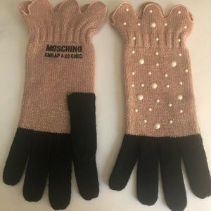 New Moschino Cheap and Chic Gloves Pearls Pink